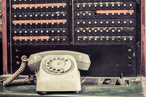 How To Select the Right Phone System For Your Business